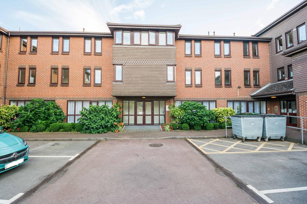 1 Bedroom Retirement Property for sale in Hambleside Court, Hamble, Southampton SO31