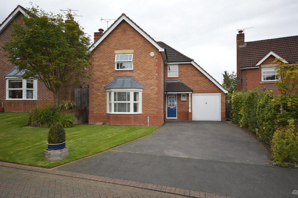 4 Bedrooms Detached House for sale in Limefield Avenue, Lymm