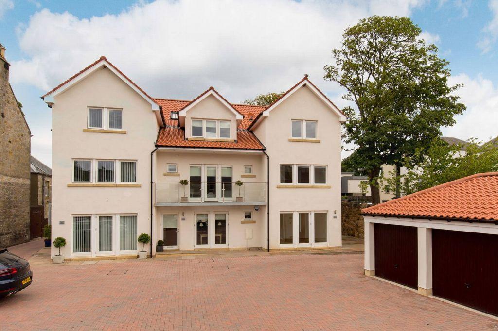 4 Bedrooms Town House for sale in 3 Fairways, Main Street, Gullane, East Lothian, EH31 2BT