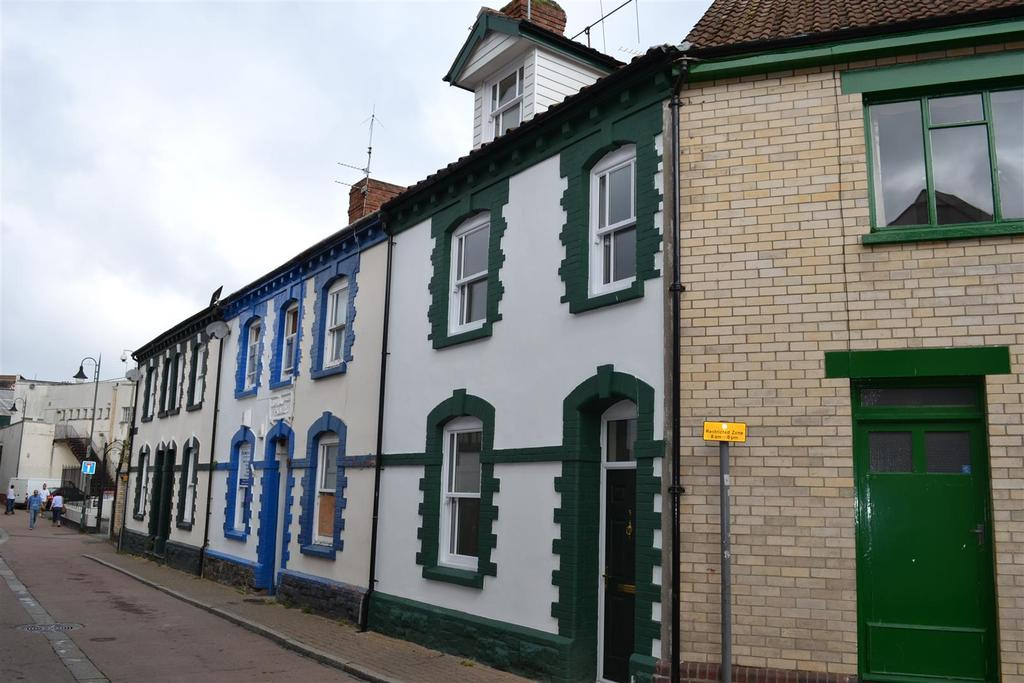 2 Bedrooms Terraced House for sale in Silver Street