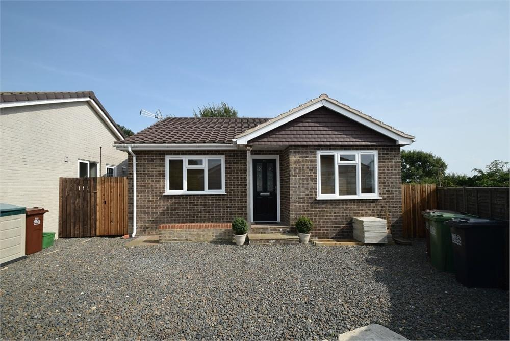 2 Bedrooms Detached Bungalow for sale in Sevenoaks Road, Langney