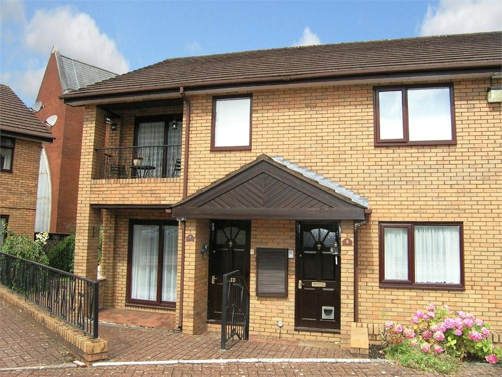 2 Bedrooms Flat for sale in Park End Court, Park End Lane, Cyncoed, Cardiff