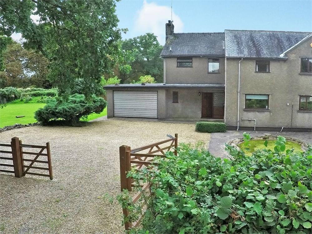 4 Bedrooms Semi Detached House for sale in Tai Derwen, Cefn Mably, Cardiff