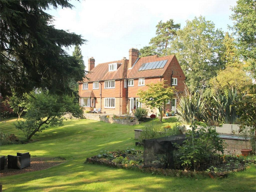 6 Bedrooms Detached House for sale in Camberley, Surrey
