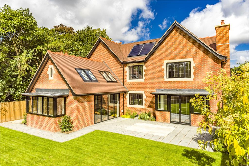 5 Bedrooms Detached House for sale in Limetree Road, Goring, Reading, RG8