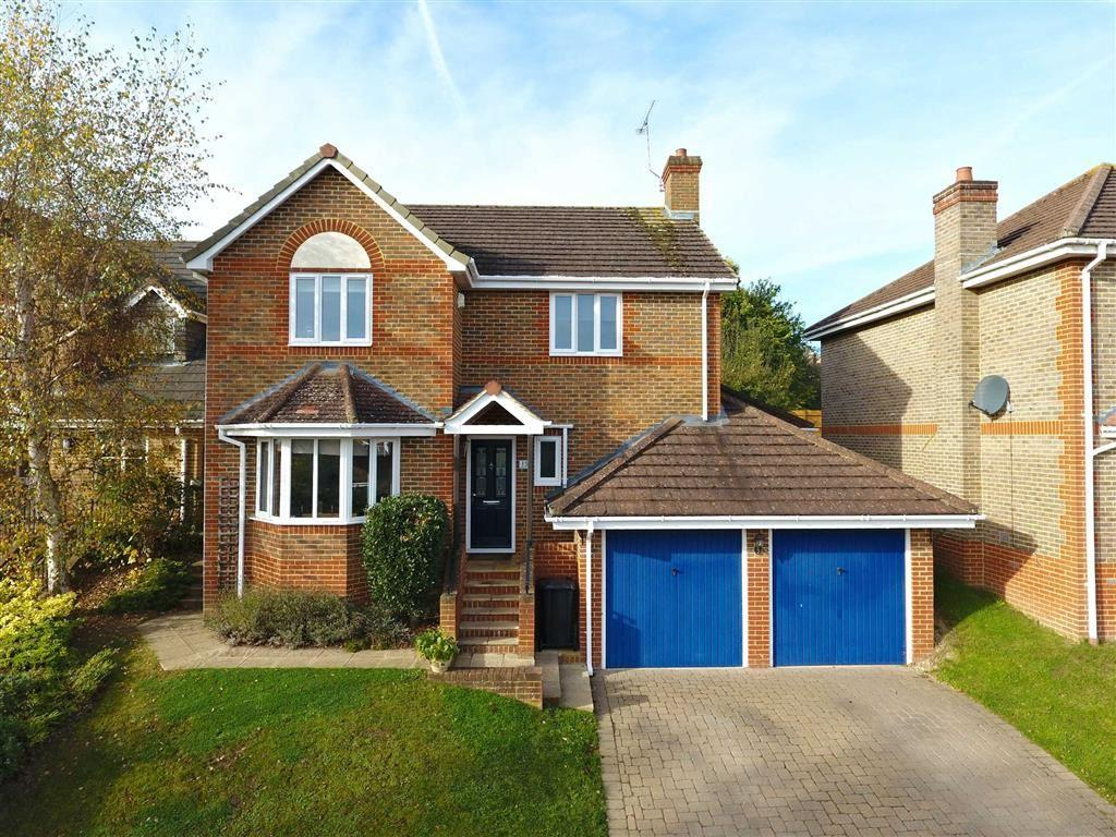 4 Bedrooms Detached House for sale in Ammanford, Caversham Heights, Caversham