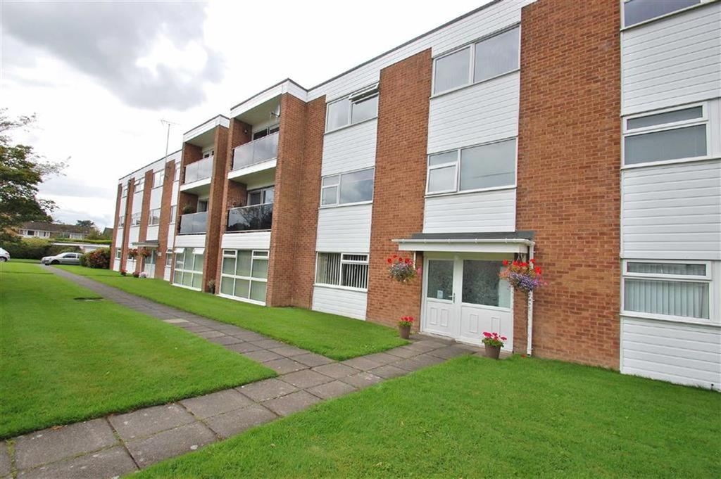 2 Bedrooms Flat for sale in Pine Lodge, Bramhall, Cheshire