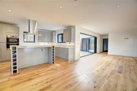 2 bedroom detached bungalow for sale - Palace Road, Bromley, Kent