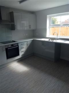 2 bedroom house to rent - Louis Street, HULL