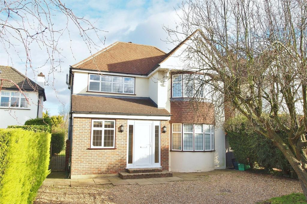 3 Bedrooms Detached House for sale in Hayes Way, Park Langley, Beckenham