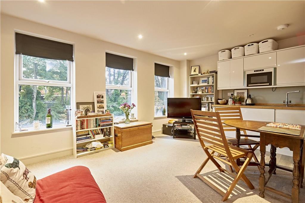 1 Bedroom Flat for sale in Coombe Lane, London, SW20