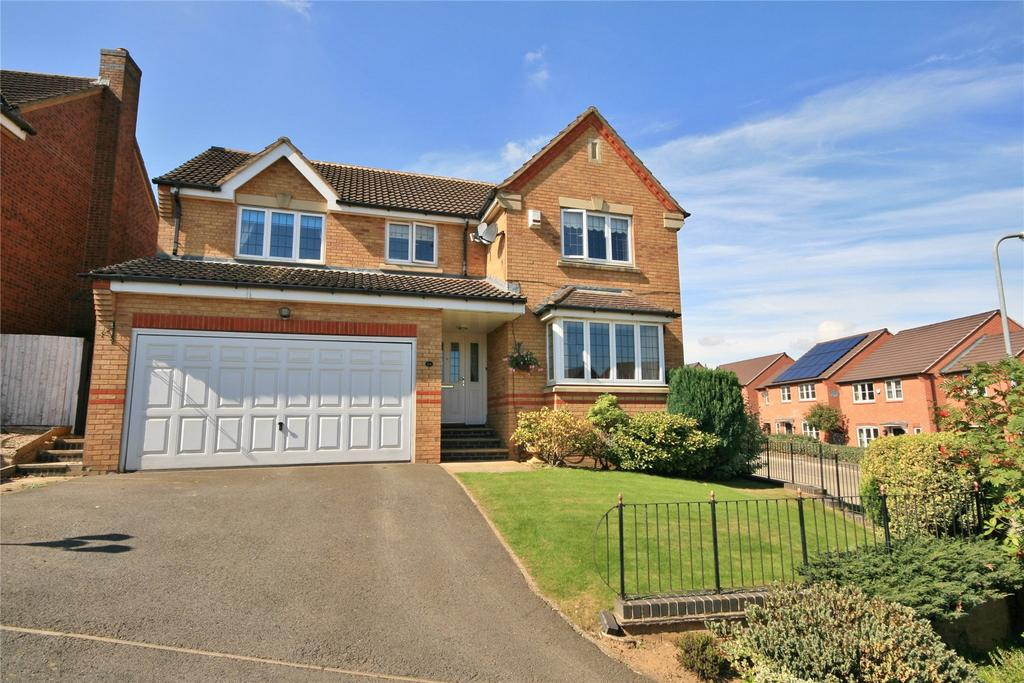 4 Bedrooms Detached House for sale in Balmoral Drive, Grantham, NG31