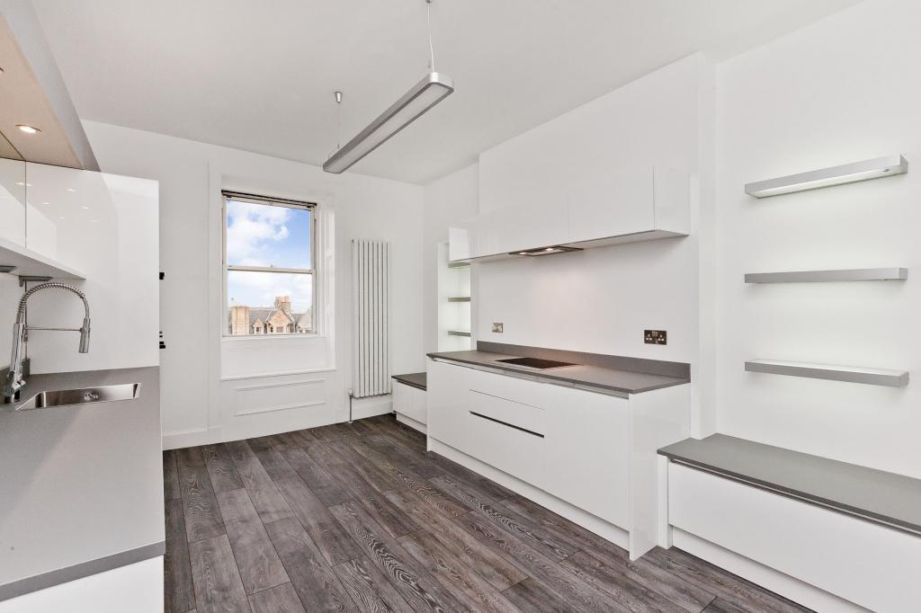 3 Bedrooms Flat for sale in 96/7 Viewforth, Bruntsfield, EH10 4LG