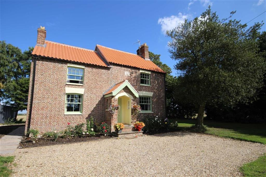 3 Bedrooms Detached House for sale in Scarborough Bank, Stickford, Boston, Lincolnshire