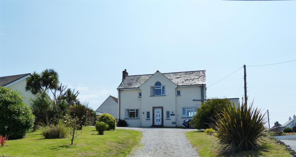 5 Bedrooms Detached House for sale in Probus