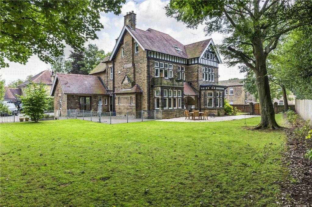 7 Bedrooms Unique Property
