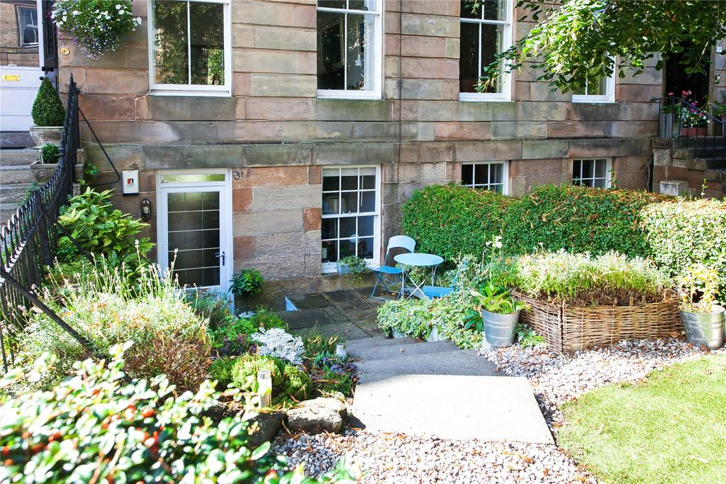 2 Bedrooms Apartment Flat for sale in Regent Park Square, Strathbungo, Glasgow