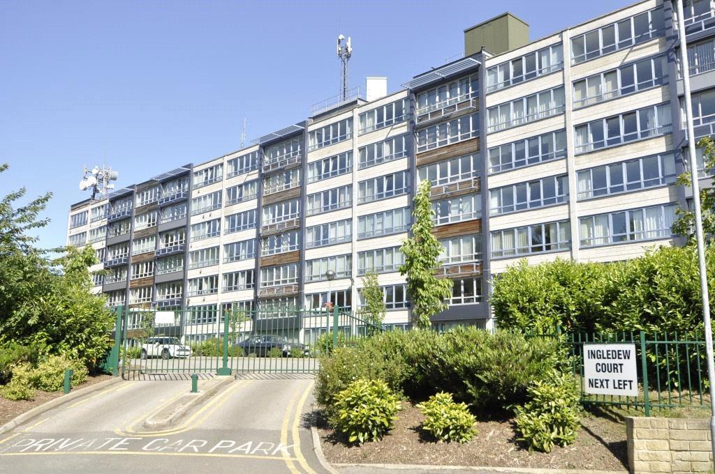 2 Bedrooms Apartment Flat for sale in Ingledew Court, Leeds