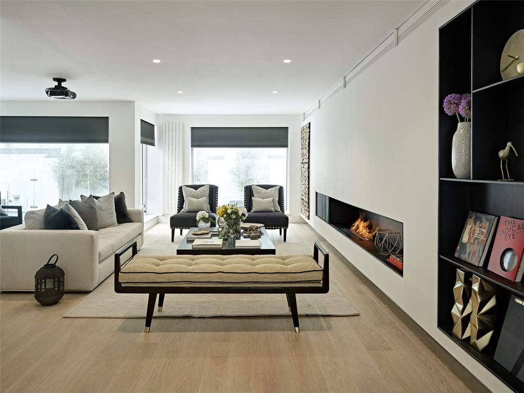 5 Bedrooms Semi Detached House for sale in Pembridge Villas, Notting Hill, London