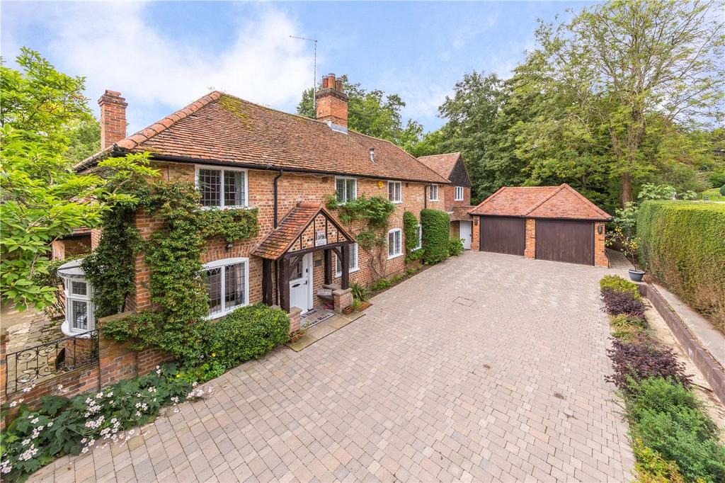 5 Bedrooms Detached House for sale in Digswell Lane, Welwyn, Hertfordshire