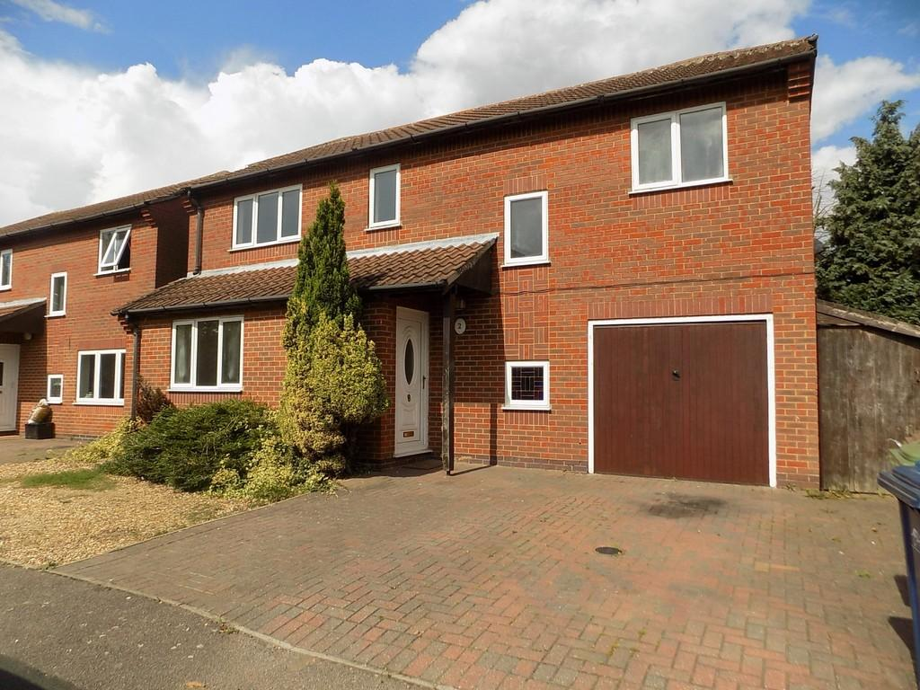 4 Bedrooms Detached House for sale in The Green, March