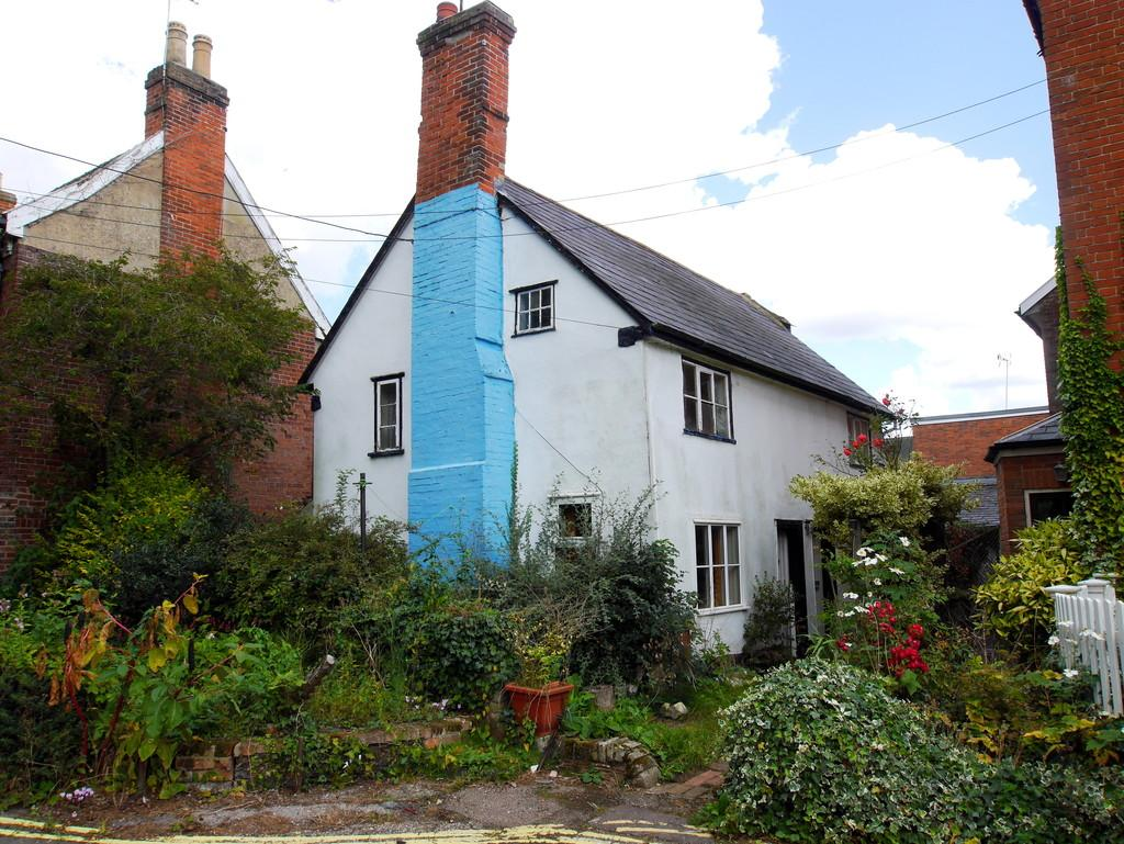3 Bedrooms Cottage House for sale in Victory Cottage, Church Walk, Hadleigh, Ipswich, Suffolk, IP7 5ED