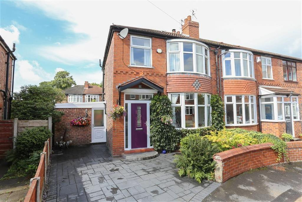 3 Bedrooms Semi Detached House for sale in Bower Avenue, Heaton Norris