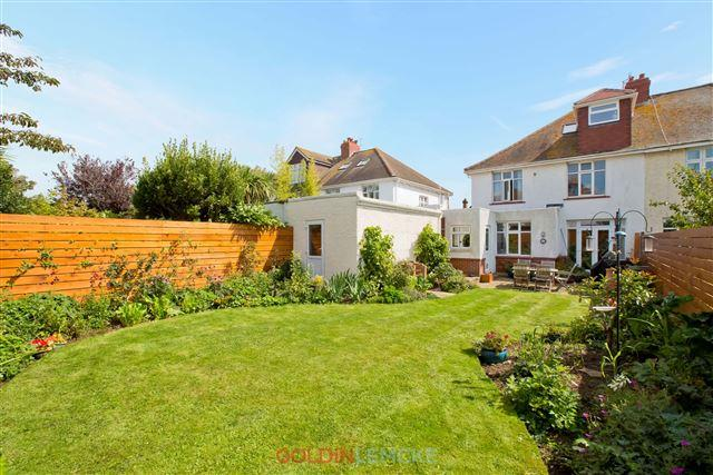 4 Bedrooms Semi Detached House for sale in Berriedale Avenue, Hove