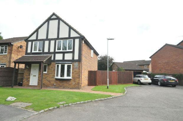 4 Bedrooms Detached House for sale in Laburnum Road, Winnesh, Wokingham,