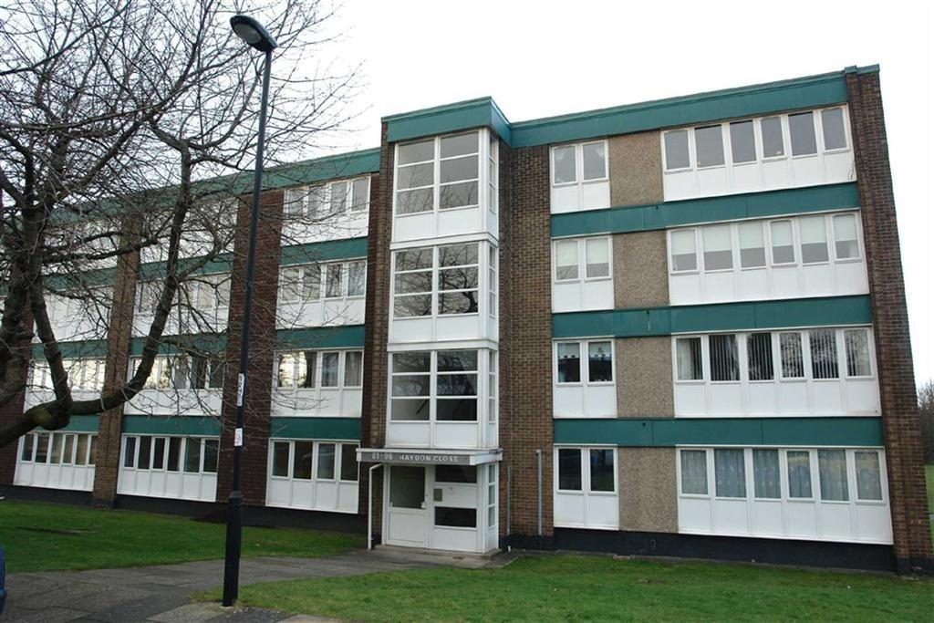 3 Bedrooms Flat for sale in Haydon Close, Newcastle Upon Tyne, NE3
