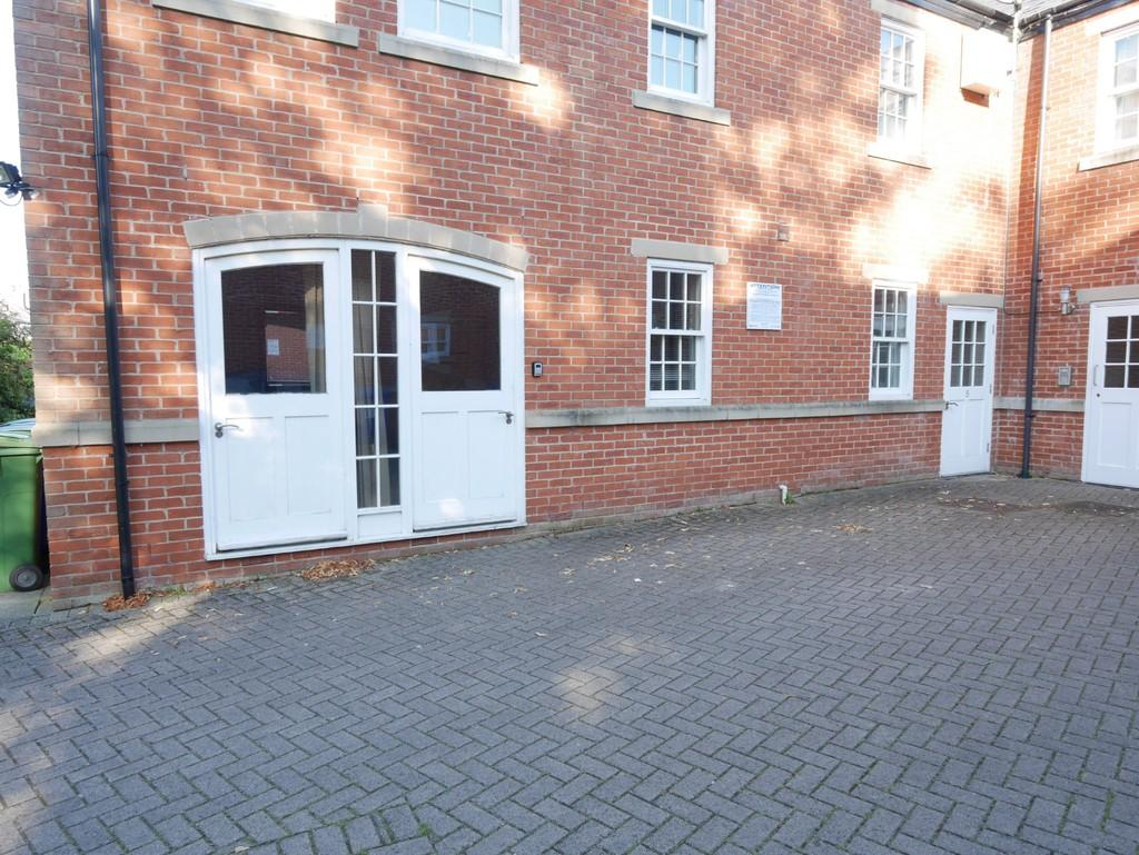 2 Bedrooms Apartment Flat for sale in Hailgate Mews, Howden