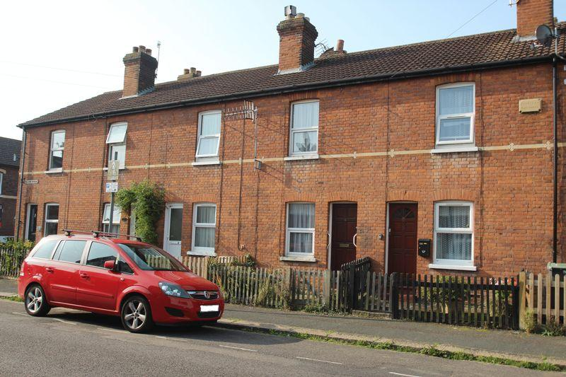 2 Bedrooms Terraced House for sale in Nelson Avenue, Tonbridge