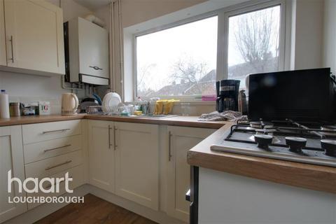 4 bedroom semi-detached house to rent - Derwent Drive