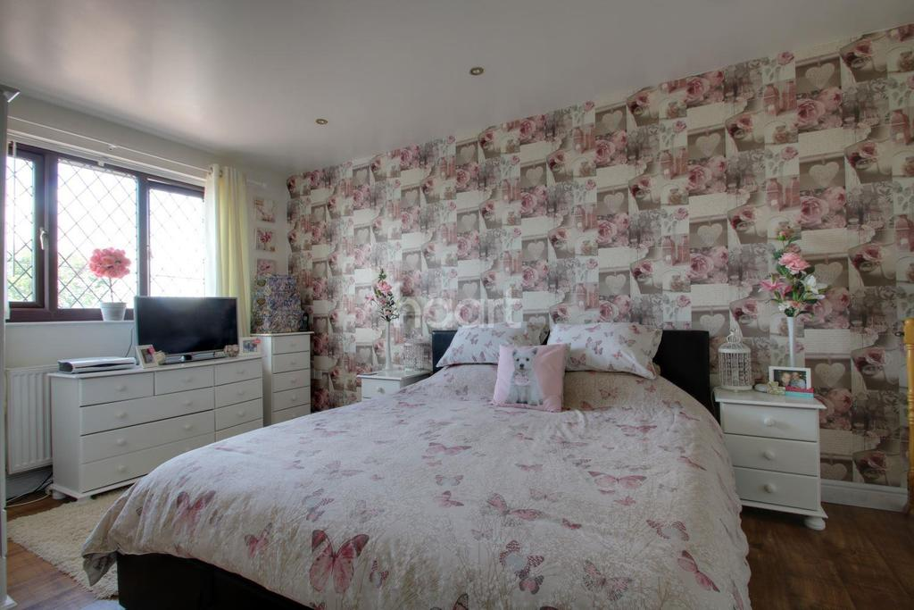 3 Bedrooms Semi Detached House for sale in Ashfield Road, Norton