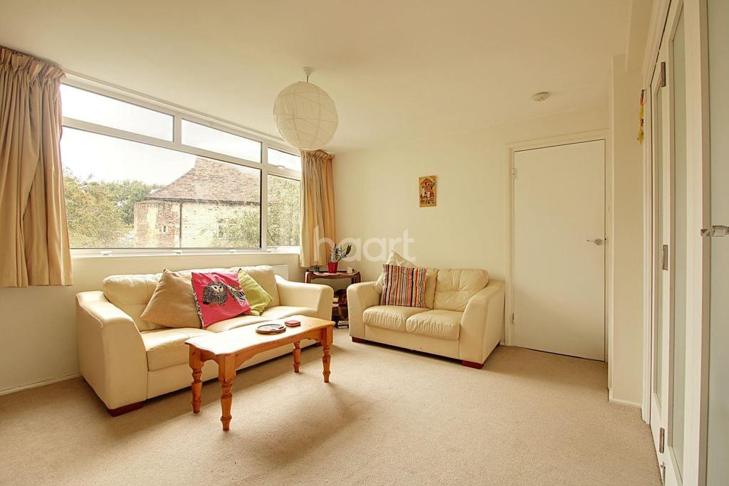 2 Bedrooms Flat for sale in Chesterton Towers, Chapel Street, Cambridge