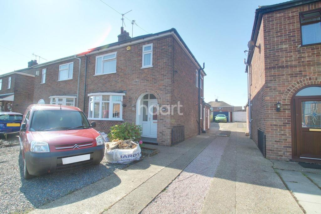 3 Bedrooms Semi Detached House for sale in Coneygree Road, Stanground