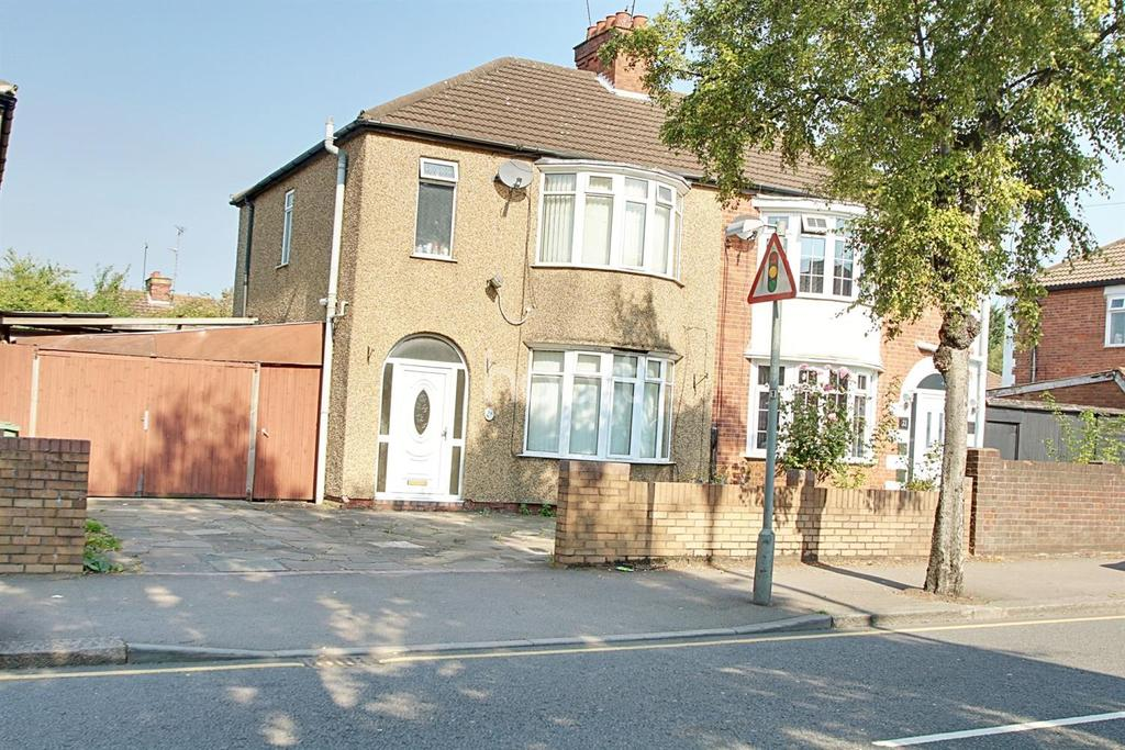 3 Bedrooms Semi Detached House for sale in Woodland Avenue