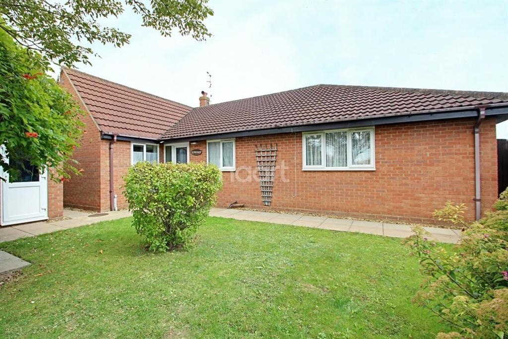 3 Bedrooms Bungalow for sale in Stanley Drive, Sutton Bridge