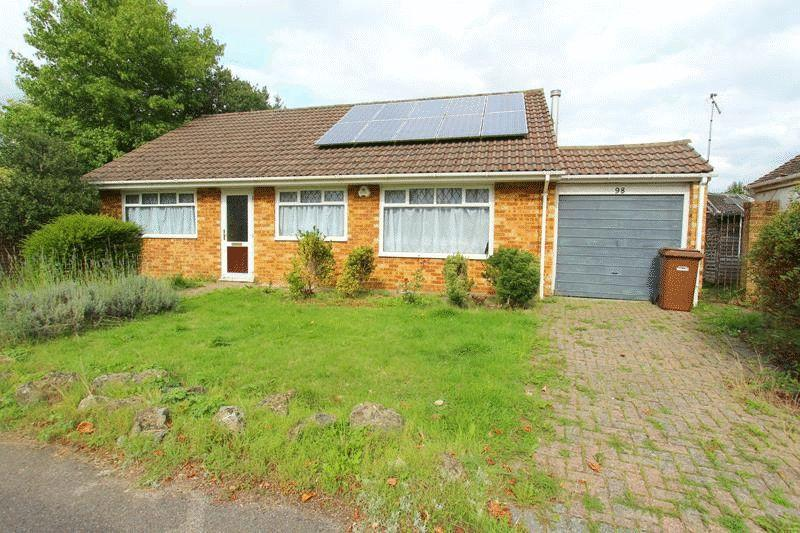 3 Bedrooms Bungalow for sale in Park Road, Caterham