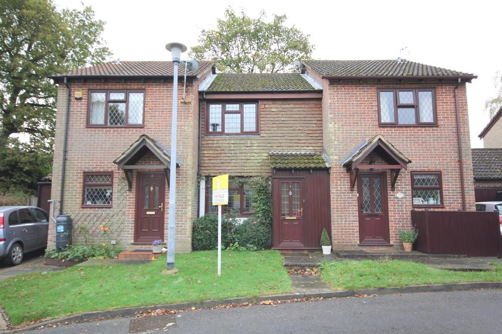 2 Bedrooms Terraced House for sale in Troy Close, Crowborough