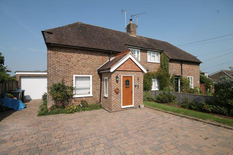 3 Bedrooms Semi Detached House for sale in London Road, Hassocks, West Sussex,