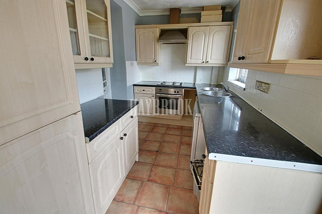 2 Bedrooms Semi Detached House for sale in Seaton Crescent, Manor Park, S2