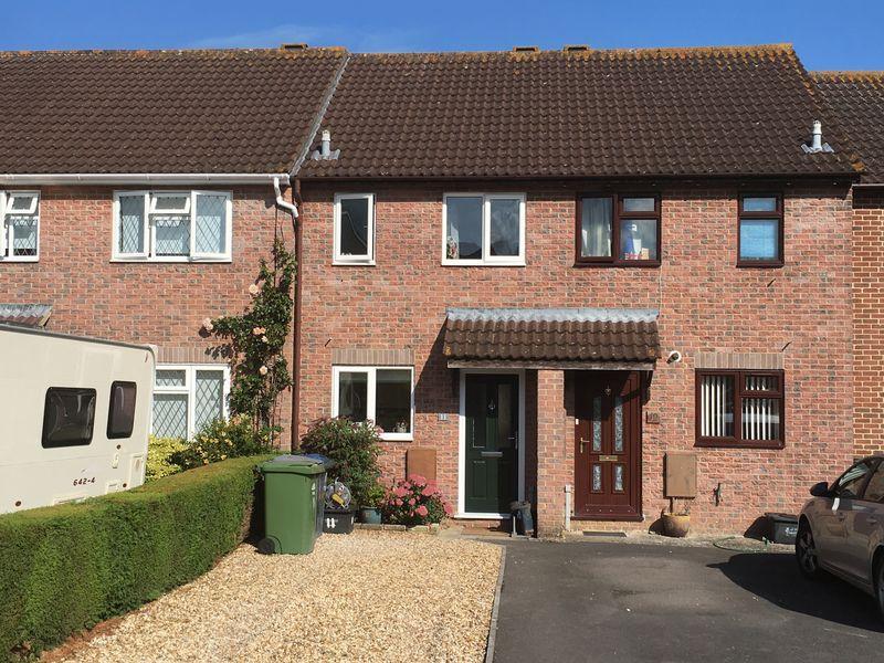 2 Bedrooms Terraced House for sale in Wellesley Close, Melksham