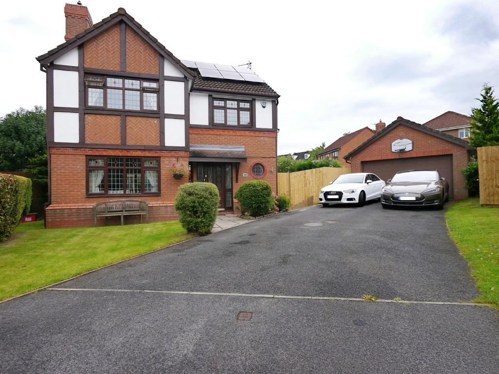 4 Bedrooms Detached House for sale in 10 Moulton Close, Kingsmead, CW9 8GR