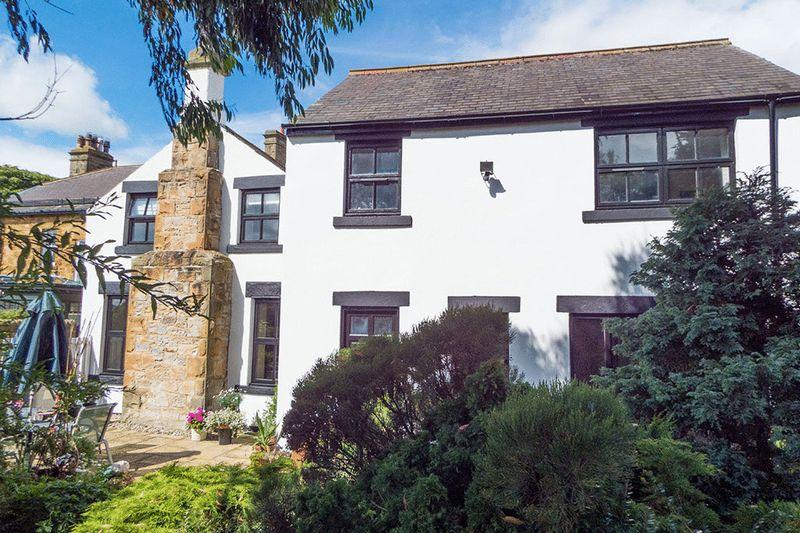 4 Bedrooms Detached House for sale in Lanchester Road, Durham