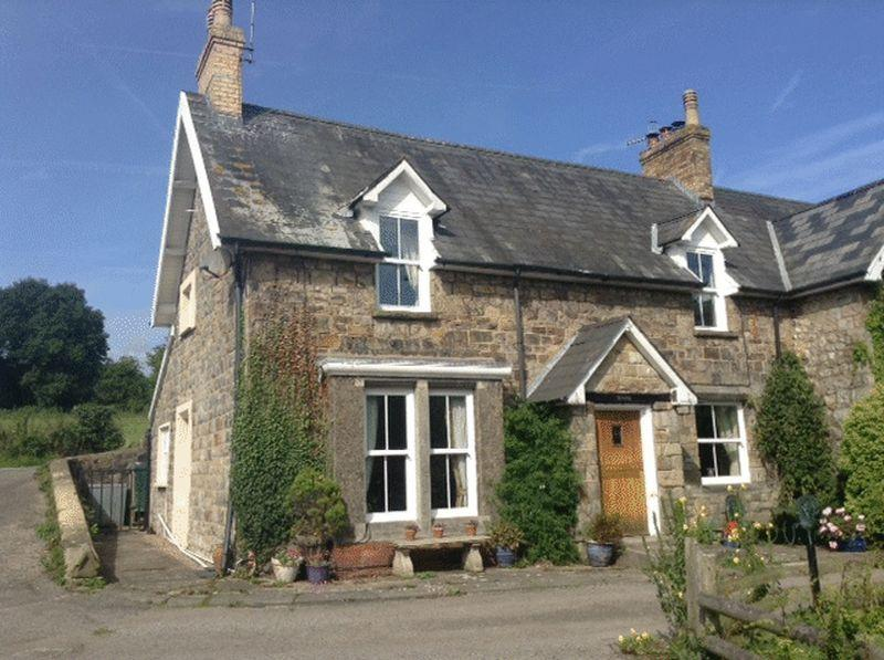 4 Bedrooms Detached House for sale in 1 Ty Draw, Little Mill, Monmouthshire