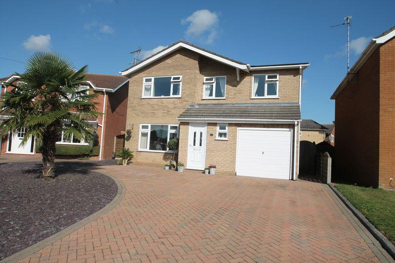 4 Bedrooms Detached House for sale in Mountbatten Avenue, Pinchbeck