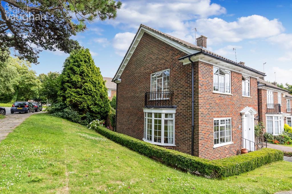 4 Bedrooms End Of Terrace House for sale in Whittingehame Gardens, Brighton, BN1