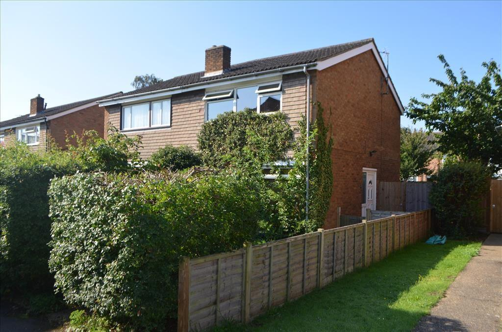 3 Bedrooms Semi Detached House for sale in Glebe Road, Sandy, Bedfordshire, SG19