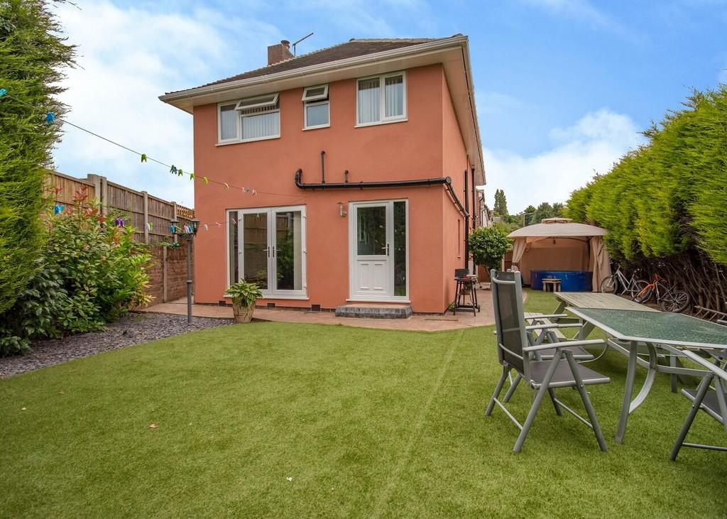 4 Bedrooms Detached House for sale in School Lane, Chilwell